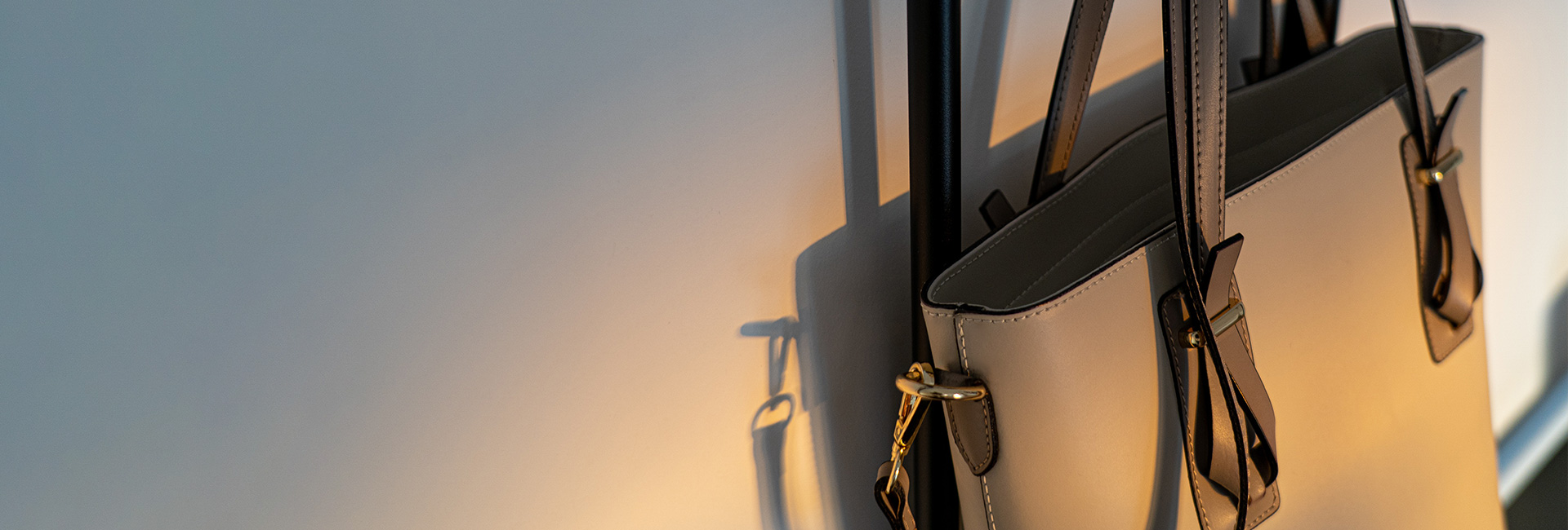 Дамски чанти от естствена кожа LORETTA
