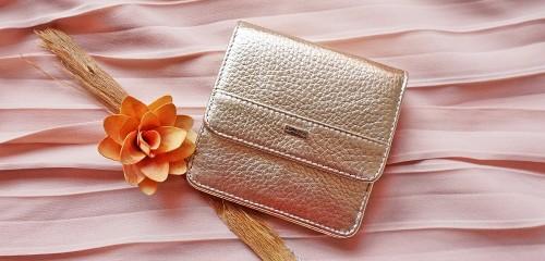 Дамски портфейли от естествена кожа