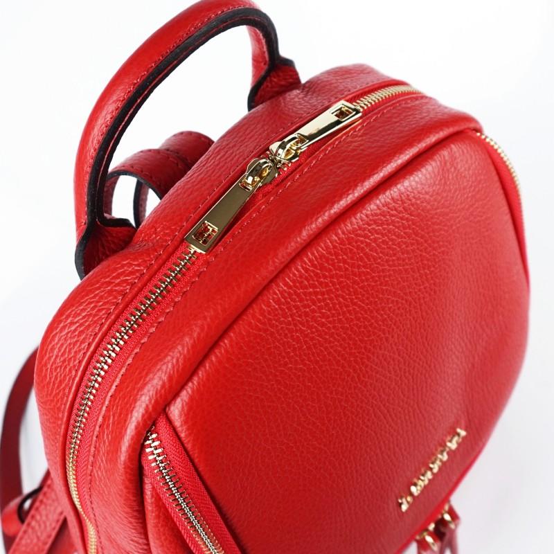 Червена дамска раница от естествена кожа