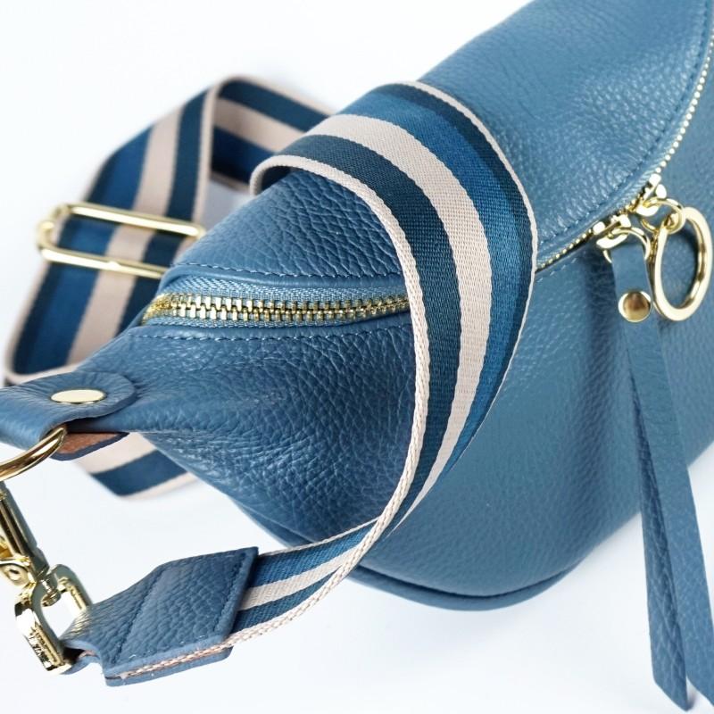 Малка дамска чанта през рамо в син цвят