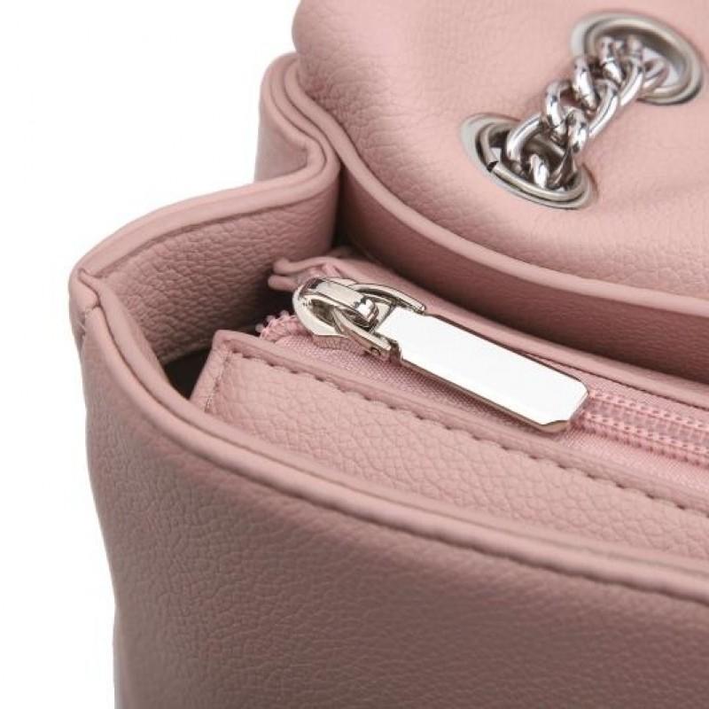 Ежедневна дамска чанта в бежово