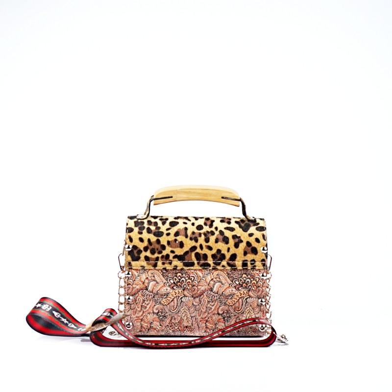 Ръчно изработена дървена чанта с флорални мотиви и леопардово