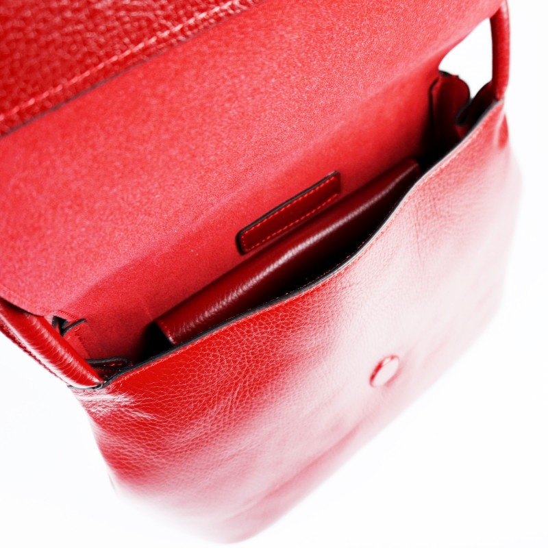 Дамска чанта от естествена кожа за рамо с регулируема презрамка