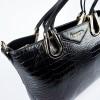 Елегантна дамска чанта от естествена кожа с двойни дръжки