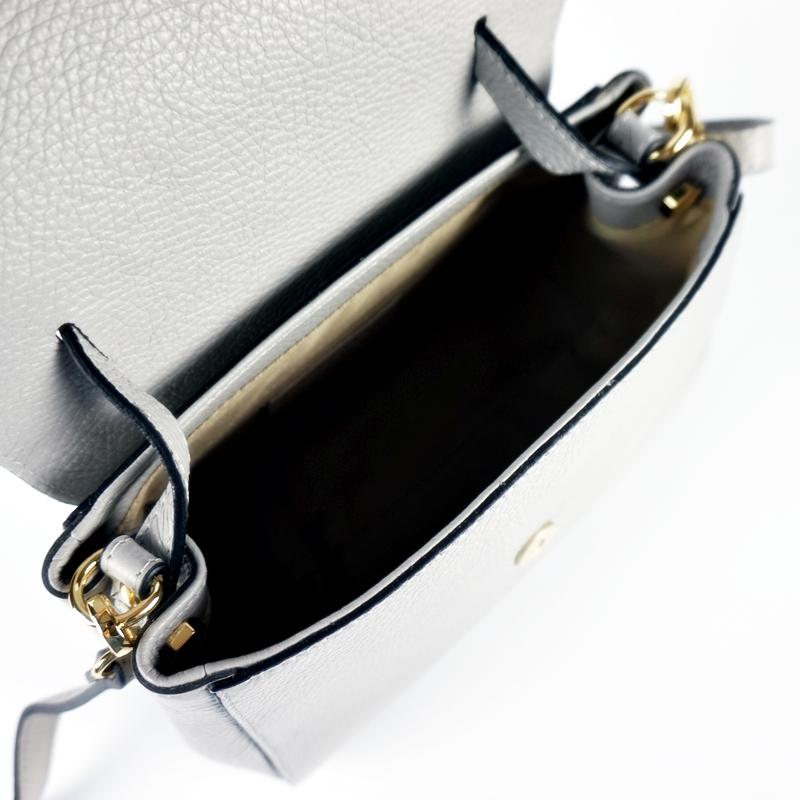 Чанта с лазерно изработени детайли