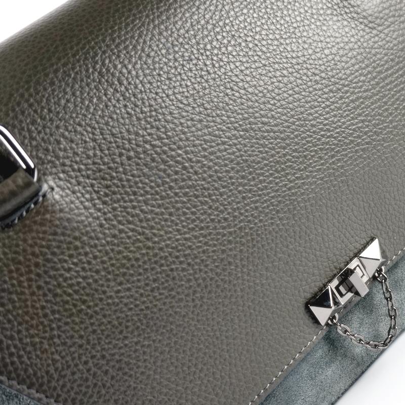 Чанта с детайли от велур