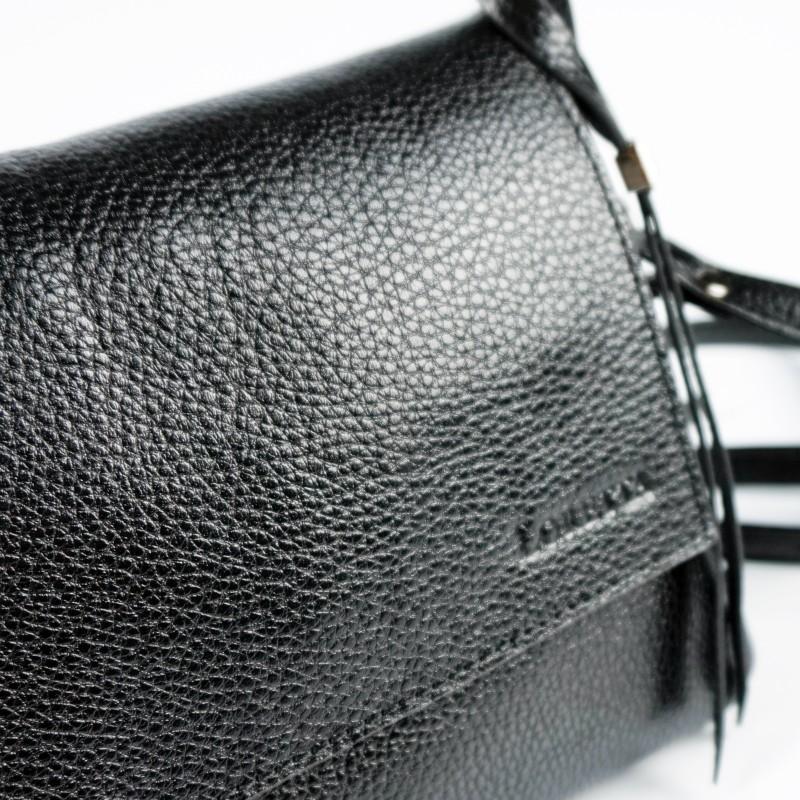 Малка чанта през рамо в черен цвят