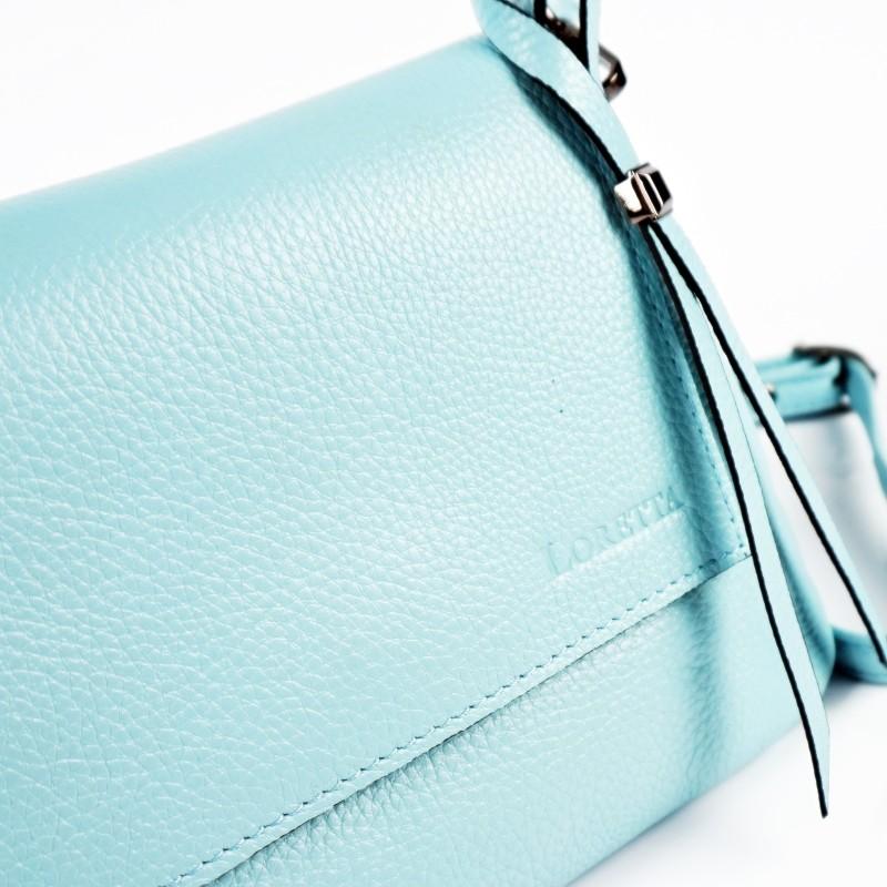 Малка чанта през рамо в светло син цвят