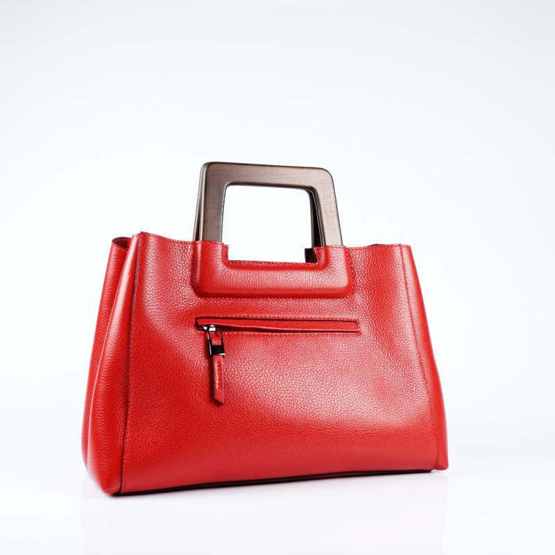 Стилна дамска чанта от естествена кожа