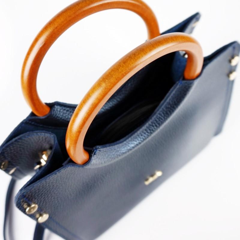 Ежедневна чанта с дървени дръжки