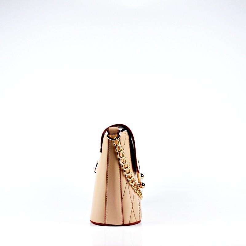 Малка чанта със златиста закопчалка