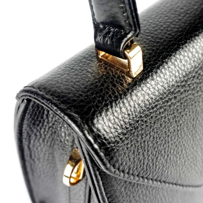 Малка чанта от естествена кожа с допълнителна презрамка