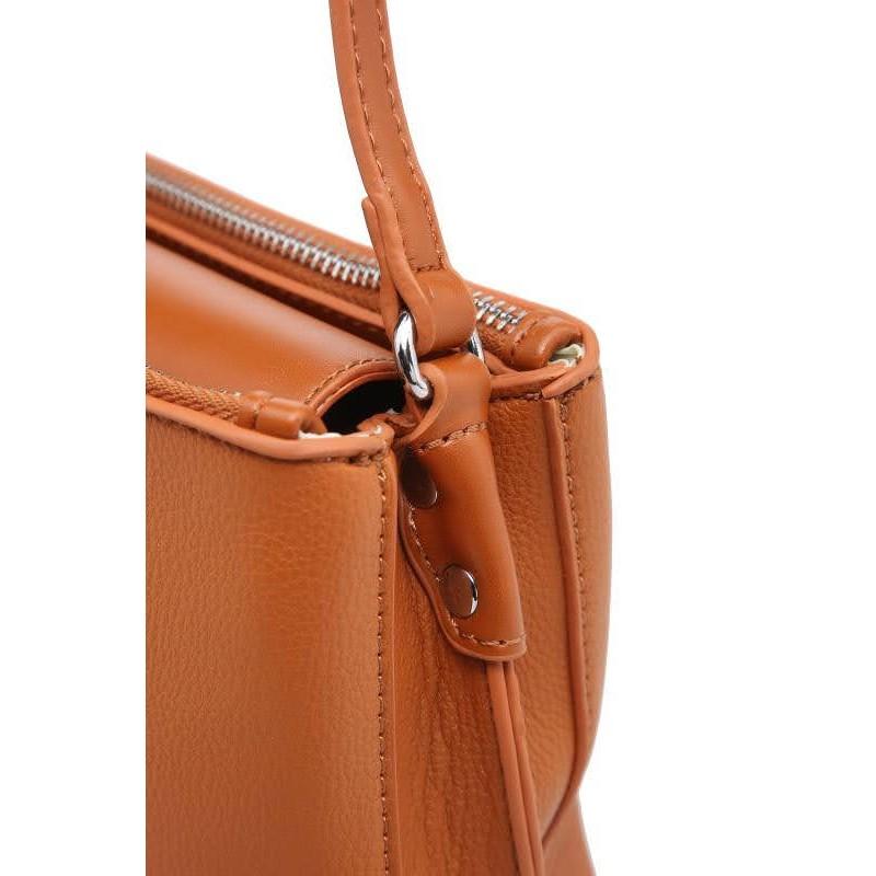 Малка дамска чанта през рамо в светло син цвят