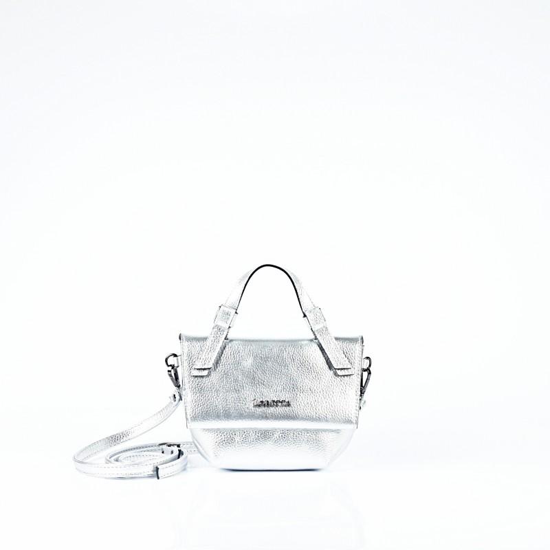 Малка дамска чанта от естествена кожа