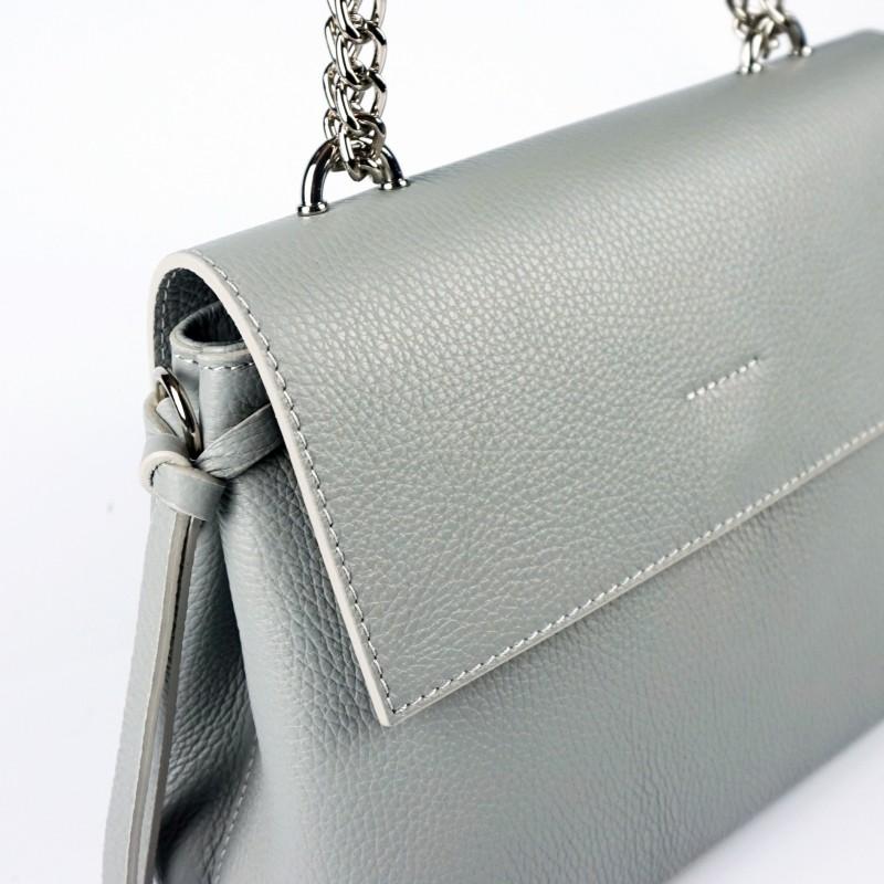 Дамска чанта от естествена кожа с елегантен и семпъл дизайн