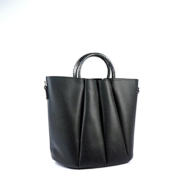 Елегантна дамска чанта в черен цвят