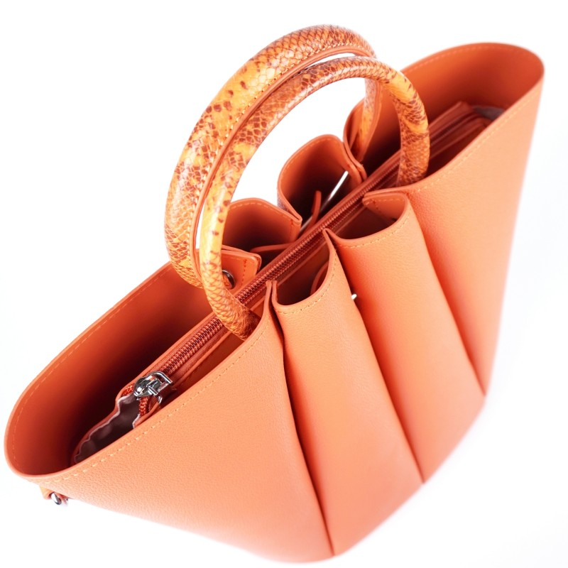 Елегантна дамска чанта в коралов цвят