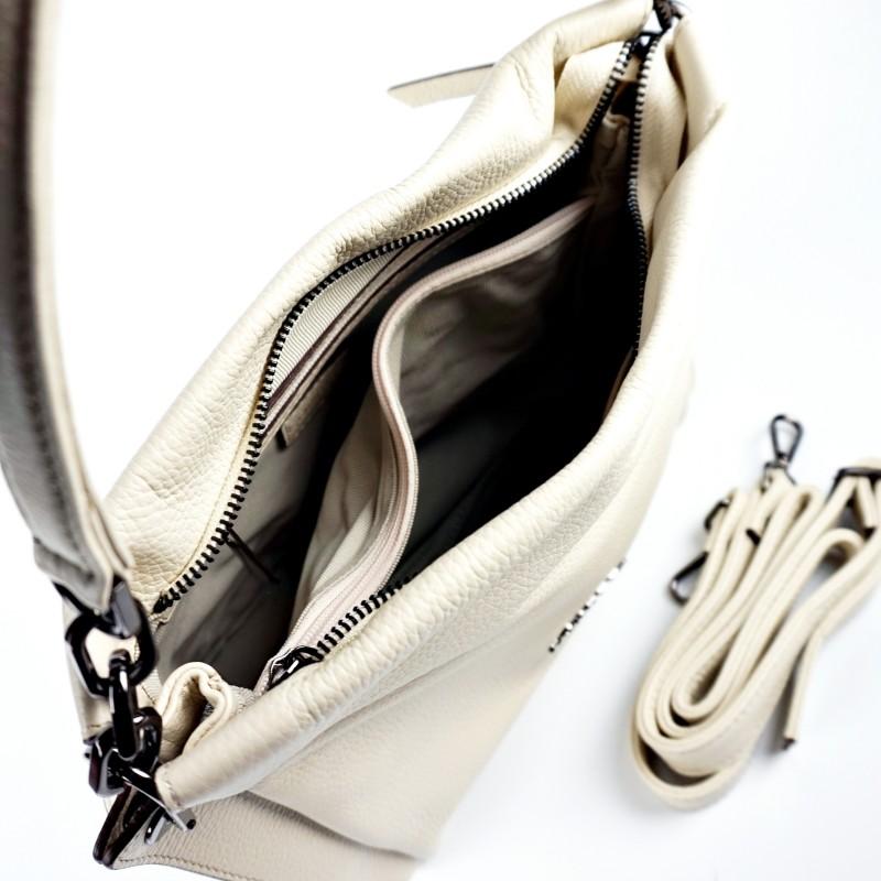 Дамска чанта от естествена кожа в бежово